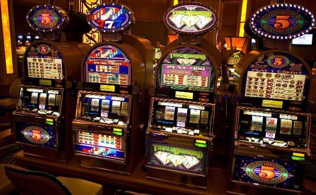 Выигрывайте деньги на сайте интернет казино Вулкан