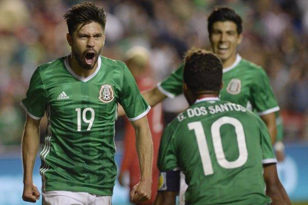 Капитан сборной Мексики ответил про слухи о 24-часовой оргии